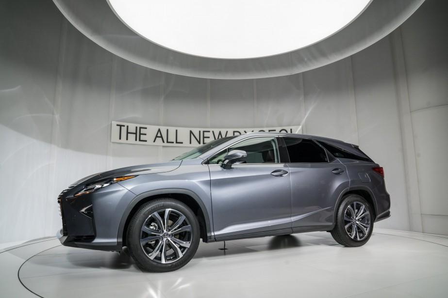 Lexus n'avait plus le choix. Le marché américain réclamait une version à trois rangées, le constructeur japonais propose désormais une verison allongée du RX-L (Photo Lexus)