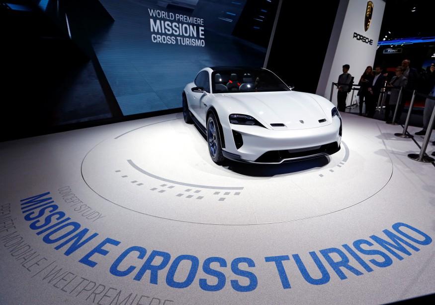 Le Porsche Mission E Cross Turismo. (REUTERS)