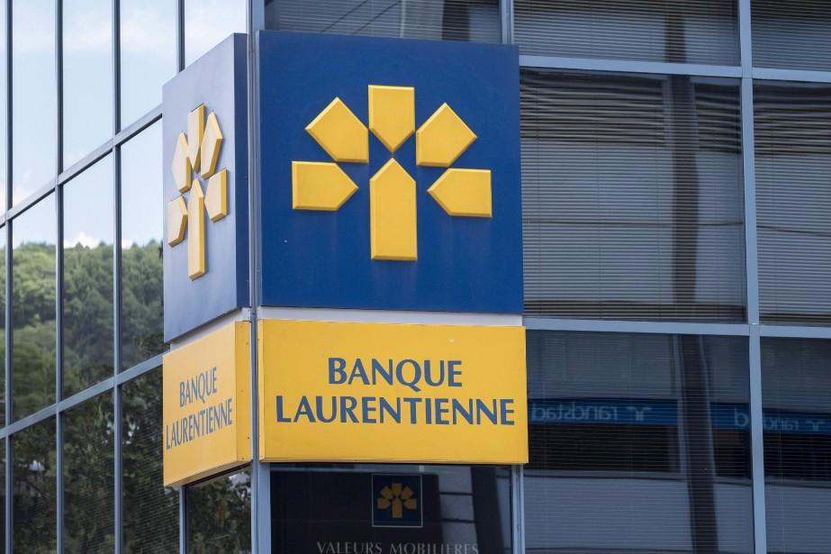 La banque a enfin rehaussé son dividende trimestriel... (Photo Paul Chiasson, archives La Presse canadienne)