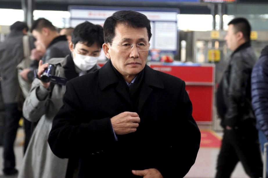 Choe Kang Il, directeur général adjoint du département... (PHOTO AP)