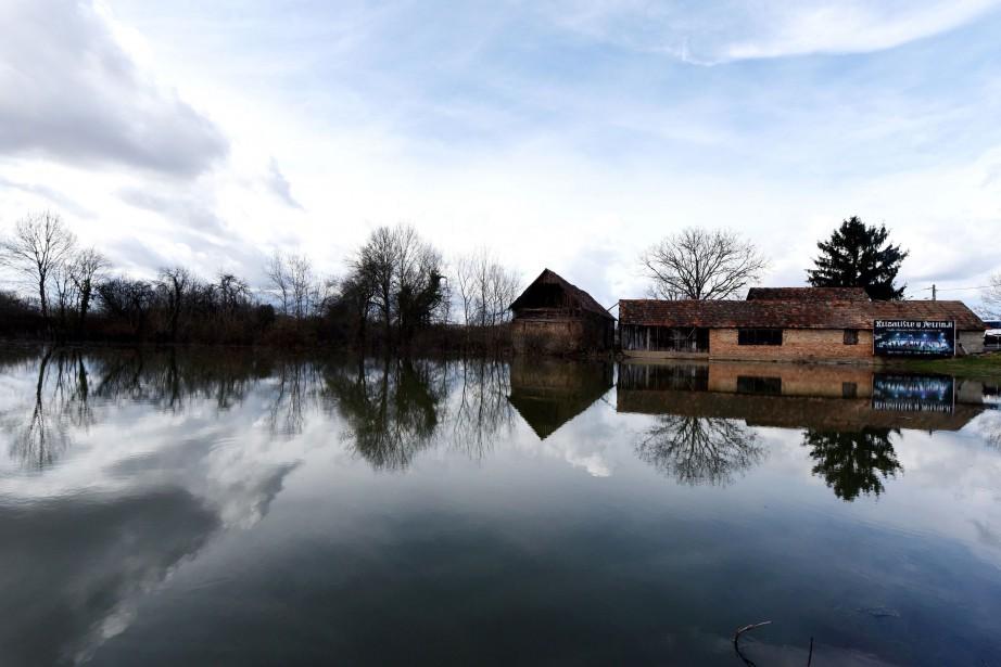 Il n'y a pas eu d'évacuations. Des habitants... (PHOTO AFP)