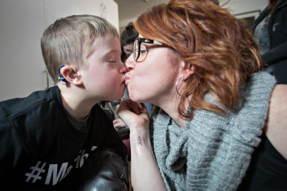Le petit Justin était bien impressionné par le... (Photo Olivier Jean, La Presse)