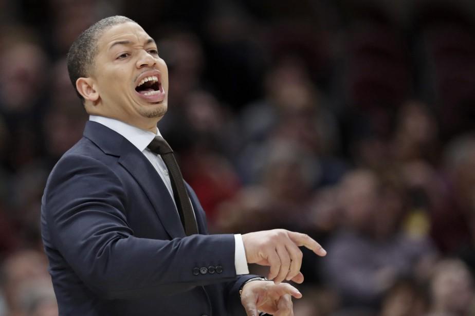 L'entraîneur-chef des Cavaliers de Cleveland, Tyronn Lue.... (Photo Tony Dejak, AP)