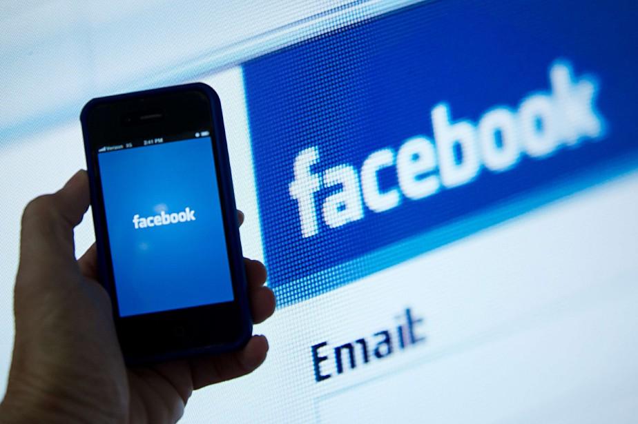Vers 14h lundi, le titre Facebook chutait de... (AFP)
