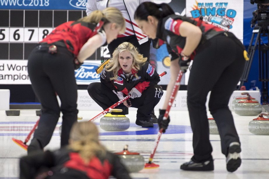 La skip de l'équipe canadienne de curling féminin,... (Photo Paul Chiasson, PC)