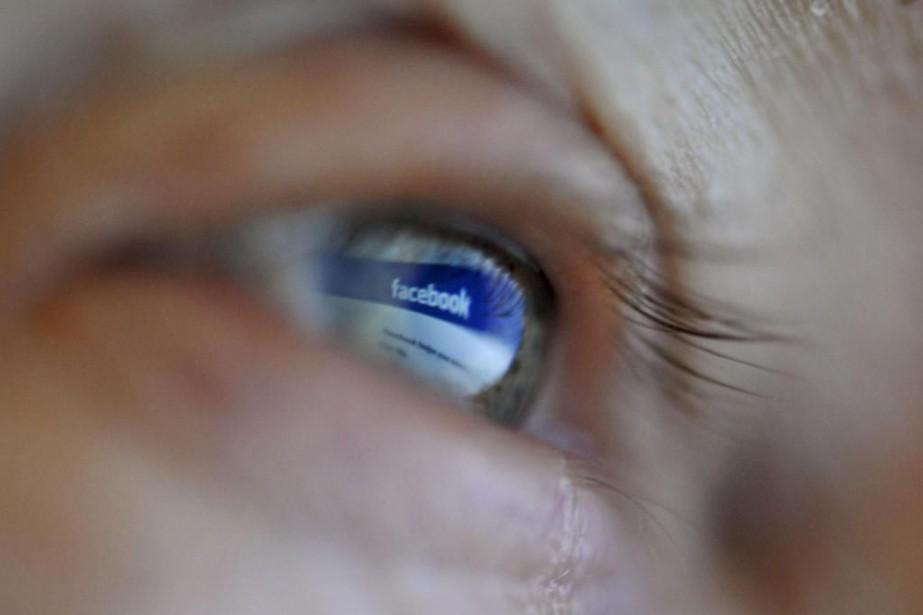 «Facebook est la cible de pressions sans précédent... (PHOTOLEHTIKUVA, ANTTI AIMO-KOIVISTO)