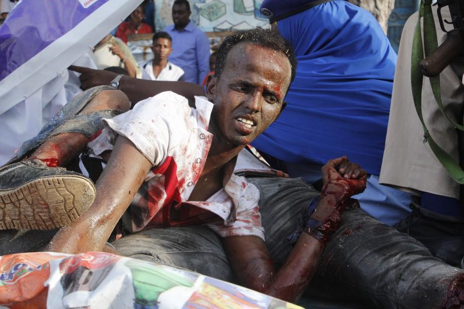 «Il y a eu une forte explosion ici,... (Photo Farah Abdi Warsameh, Associated Press)