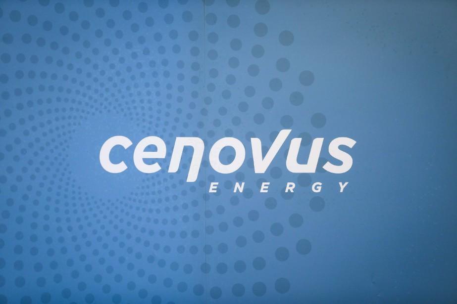 L'action de Cenovus a cédé jeudi 64 cents,... (Photo Jeff McIntosh, archives La Presse canadienne)