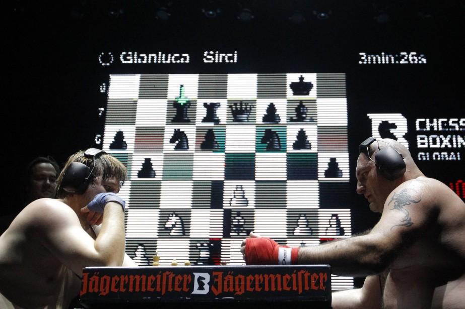 Les règles: deux athlètes s'affrontent successivement aux échecs... (REUTERS)