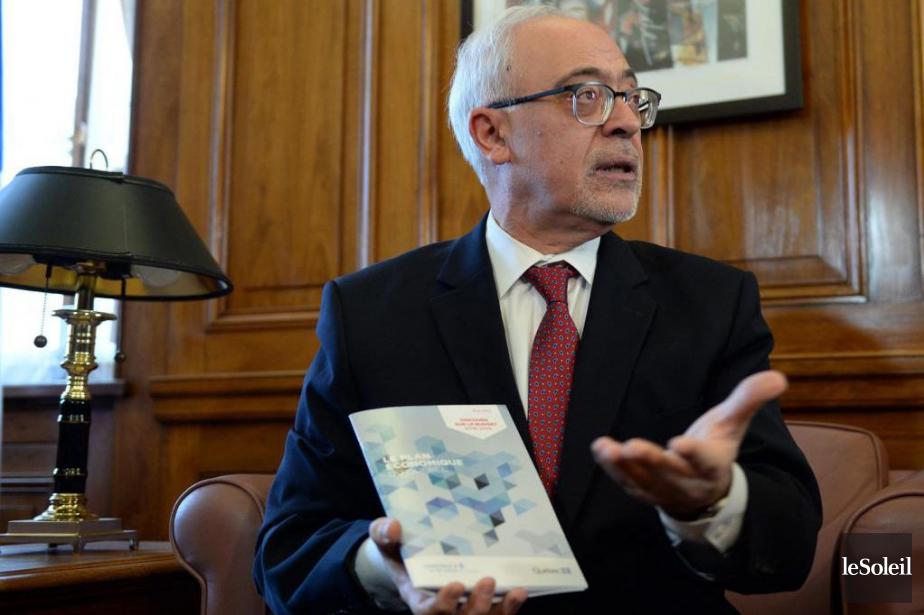 Dans son budget qui sera déposé aujourd'hui, le... (PHOTO ERICK LABBÉ, LE SOLEIL)