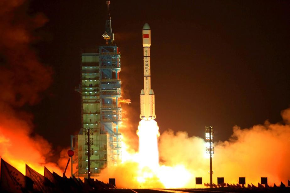 La fusée contenant le module Tiangong-1, lors de... (PHOTO ARCHIVES AGENCE FRANCE-PRESSE/STR)