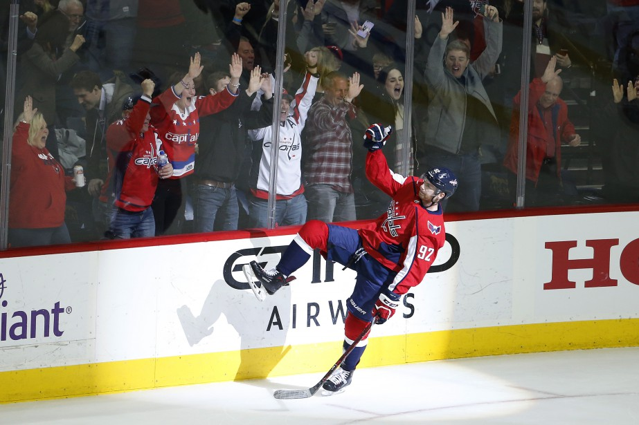 Evgeny Kuznetsov a trouvé le fond du filet après 38 secondes... (PHOTO REUTERS)