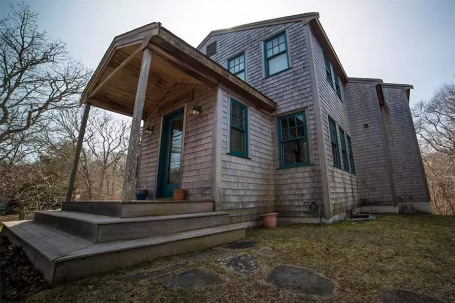 C'est cette maison sur la rue Skye Lane... (Photo Gabrielle Mannino/Martha's Vineyard Times via The Boston Globe)