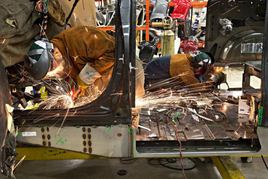 L'usine Savaria de Laval se spécialise dans les... (Photo Patrick Sanfaçon, La Presse)
