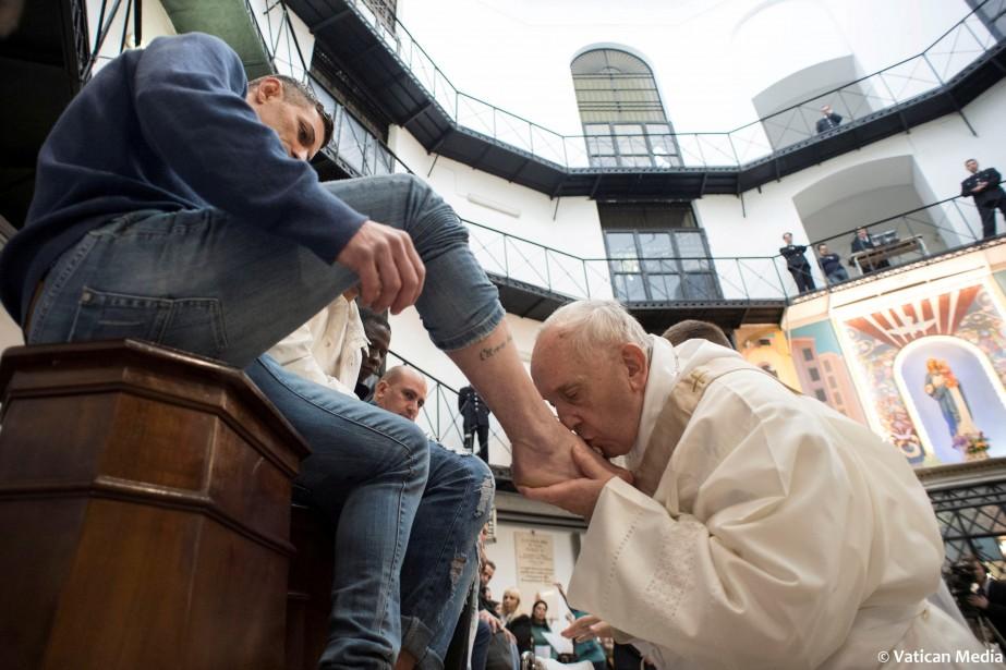 Dans la tradition chrétienne, le Jeudi saint commémore... (PHOTO REUTERS)