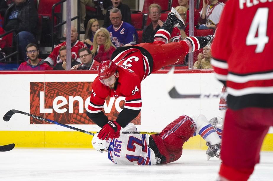 Les Rangers ont officiellement éliminé les Hurricanes d'une... (USA TODAY Sports)