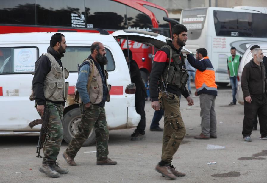 Ces nouvelles évacuations interviennent alors que le pouvoir... (Photo Omar haj kadour, Agence France-Presse)
