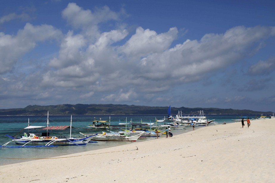 L'île qui abrite déjà plus de 500hôtels emploie... (Photo Charlie Saceda, REUTERS)