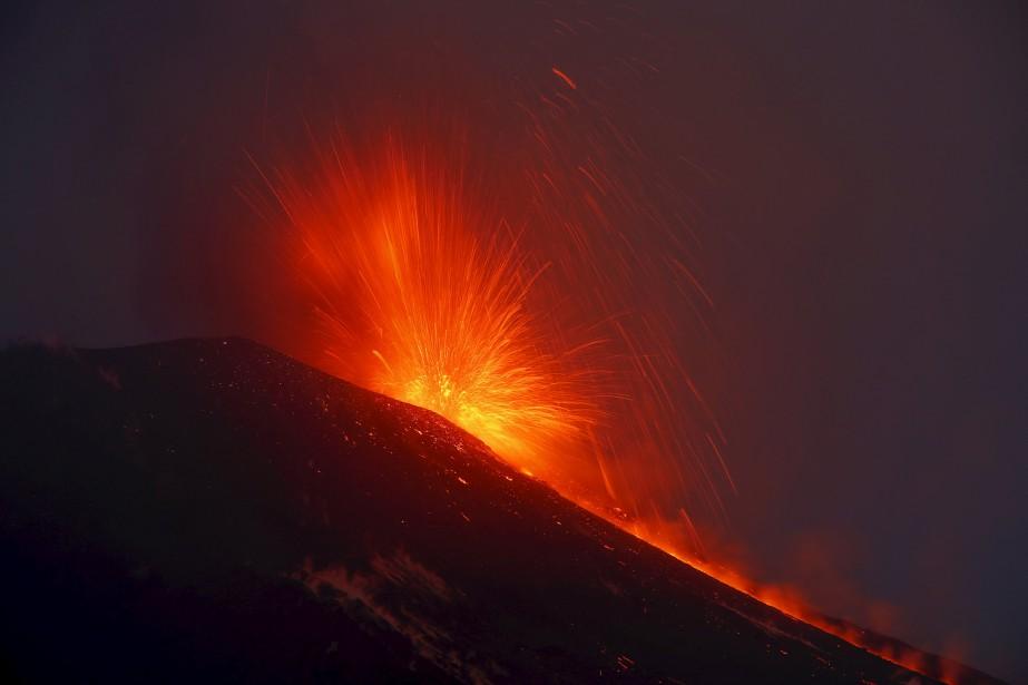 Le mont Etna, qui culmine à 3300 mètres,... (Photo Antonio Parrinello, archives Reuters)