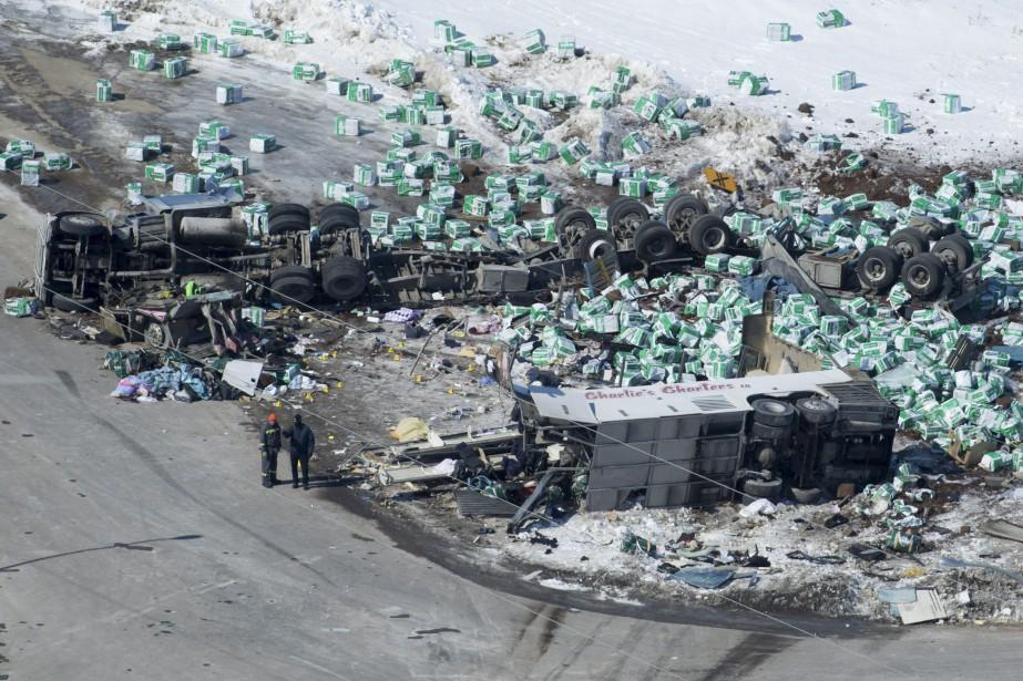 L'accident a fait 14morts et 14blessés. Le conducteur... (PHOTO Jonathan Hayward, LA PRESSE CANADIENNE)