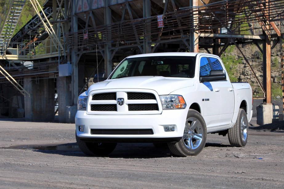 <strong>Sa première voiture - </strong>Le premier véhicule qu'il a acheté était un Dodge Ram tout neuf. ()