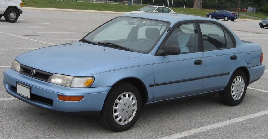 <strong>Sa pire voiture - </strong>Sans avoir jamais eu de mauvaise voiture, sa pire est peut-être la Corolla reçue de sa soeur, qui l'avait reçue de leurs parents. ()