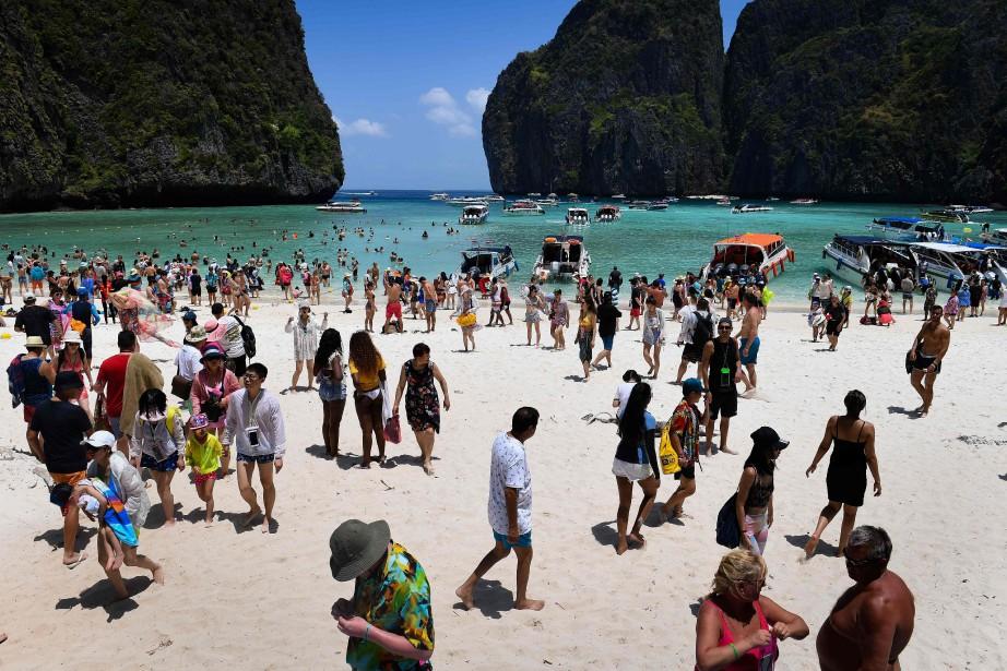 Les autorités estiment que près de 4000touristes visitent... (Photo Lillian SUWANRUMPHA, Agence France-Presse)