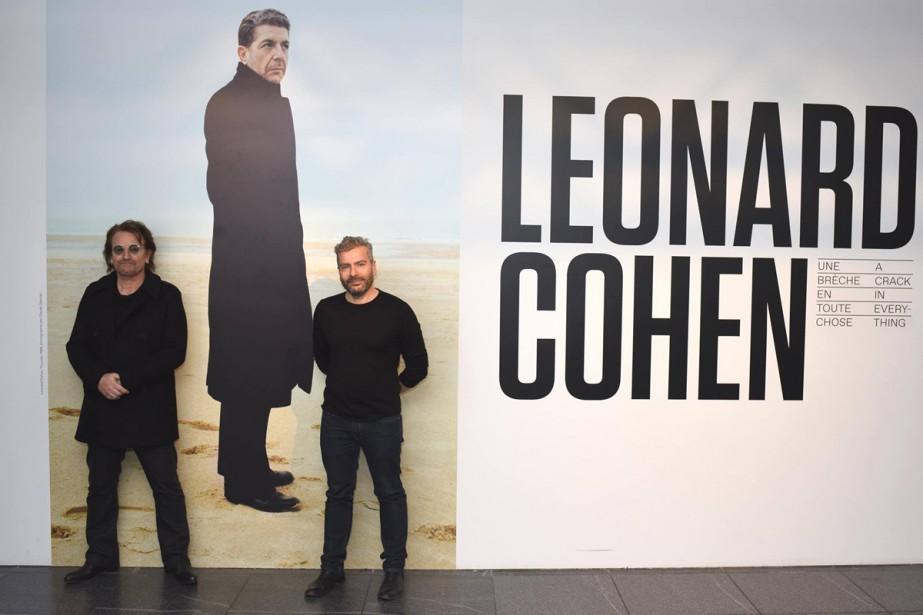 Bono et John Zeppetelli, directeur général et conservateur... (Photo fournie par le Musée d'art contemporain)