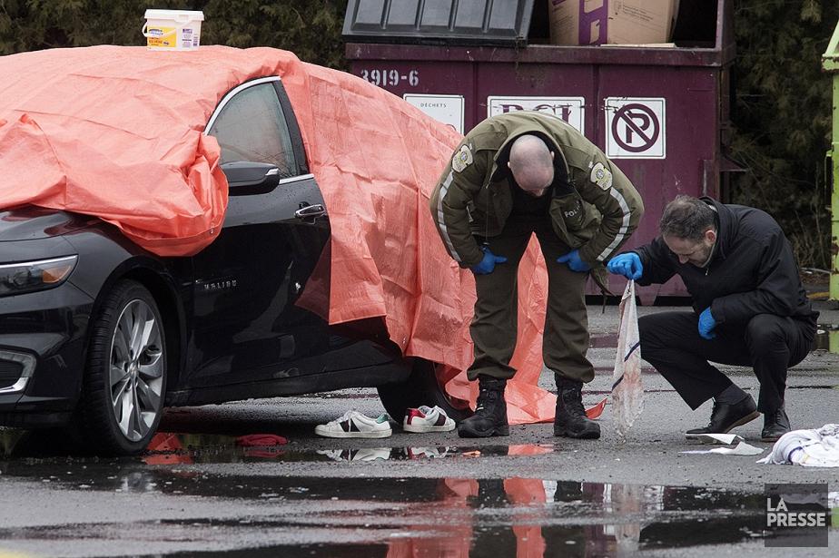 Les enquêteurs des crimes majeurs de la SQ... (Photo Patrick Sanfaçon, La Presse)