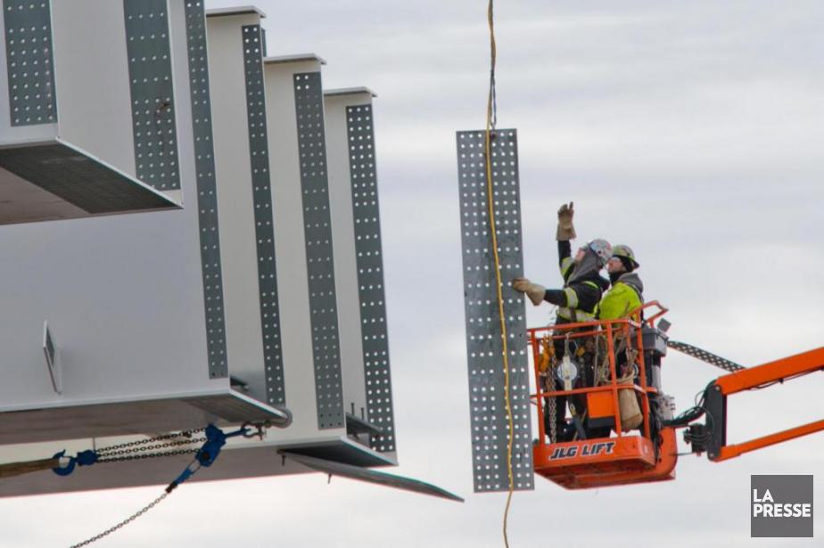 Environ 1100travailleurs sont présentement à piedd'oeuvre pour construire... (PHOTO DAVID BOILY, ARCHIVES LA PRESSE)