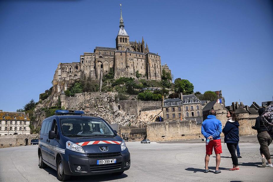 Les touristes ont été escortés hors de l'abbaye... (Damien MEYER, AFP)