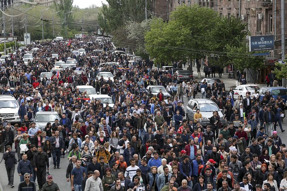 À l'appel de M.Pachinian, des manifestations se sont... (Aram Kirakosyan, AP)