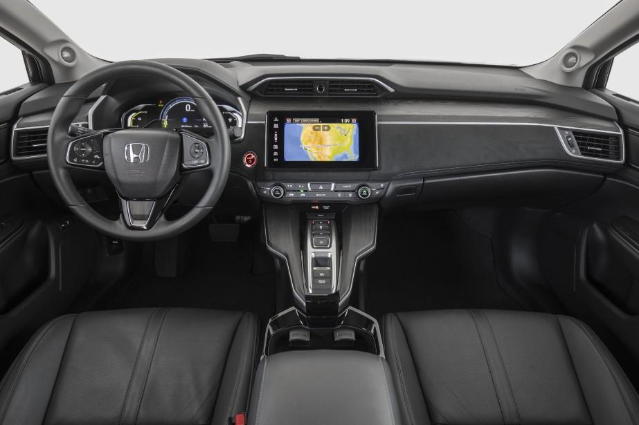 La qualité des matériaux et de la finition est aussi irréprochable. Honda a d'ailleurs pris soin de choisir des matières recyclées ou à faible empreinte écologique pour tapisser les diverses surfaces. ()