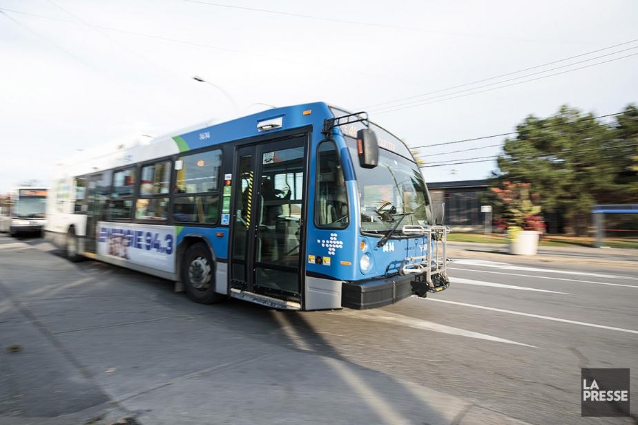 Sur cette photo, des autobus de la STL.... (Hugo-Sébastien Aubert, archives La Presse)