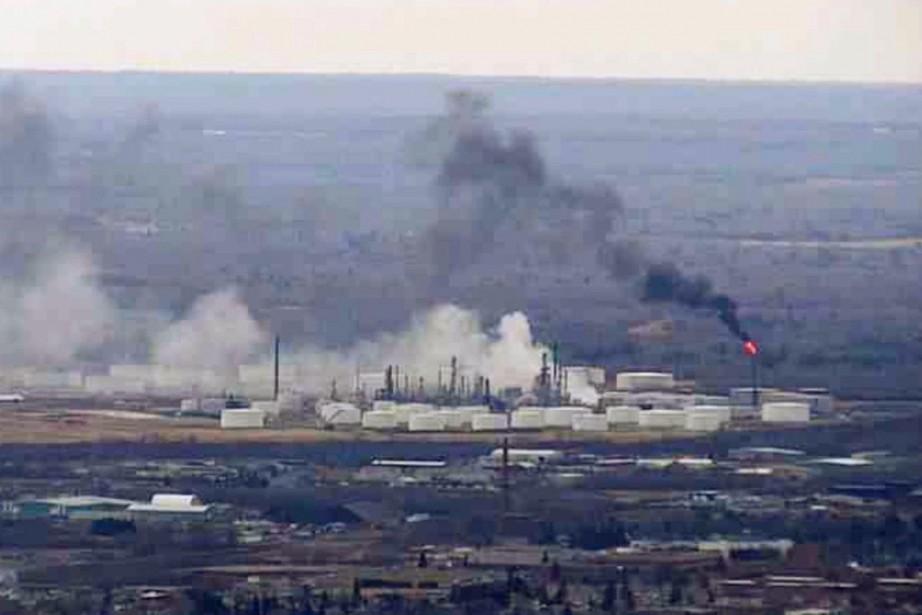 C'est une raffinerie de l'entreprise Husky Energy qui... (Photo Associated Press)