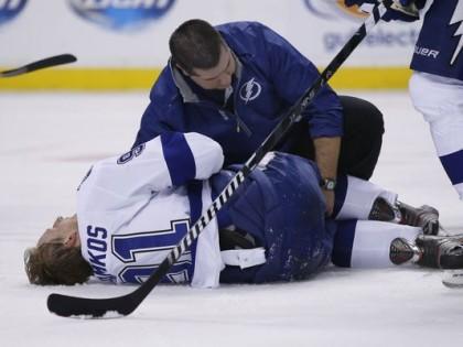 Pour la première fois depuis sa fracture de la jambe, Stamkos a participé ce...