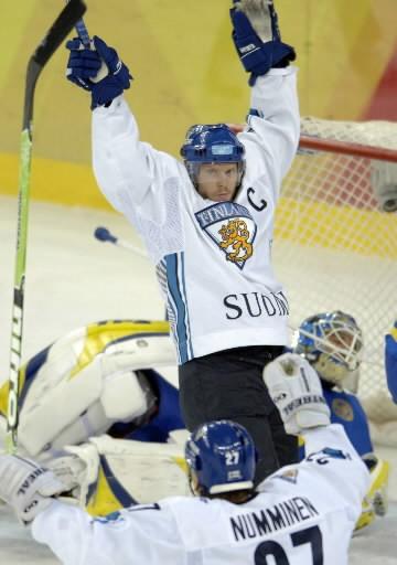 Je n'avais jamais réalisé l'immensepopularité de Saku Koivu en Finlande avant...