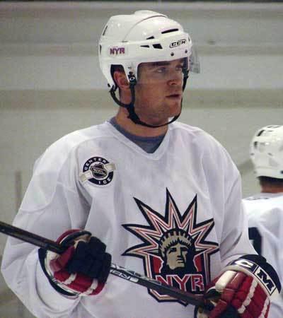 Hugh Jessiman a été échangé des Rangers de New York aux Predators de Nashville...