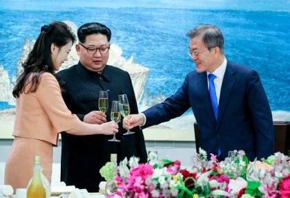 Le président sud-coréen Moon Jae-in a trinqué avec...