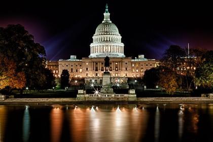 À 1 h 53, ce matin, le Sénat a adopté, par 71...