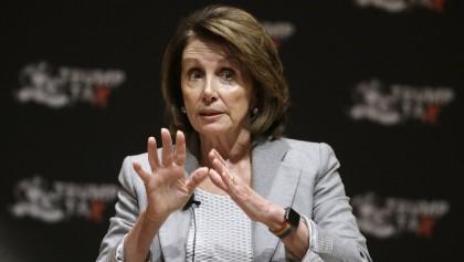 Nancy Pelosi menace de ne pas voter en...