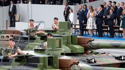 Le défilé militaire auquel il a assisté à...