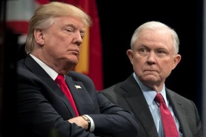 Donald Trump n'a jamais pardonné à Jeff Sessions...