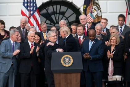 Donald Trump et ses alliés républicains espèrent que...