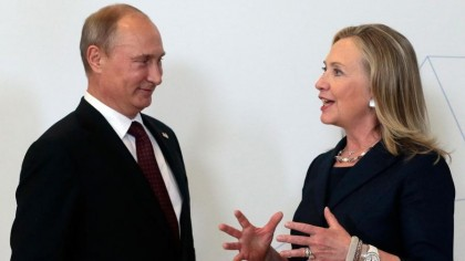 Des médias conservateurs accusent Hillary Clinton de collusion...