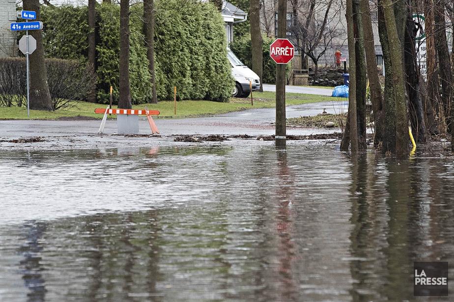 Le niveau de l'eau de la rivière des... (Patrick Sanfaçon, archives La Presse)