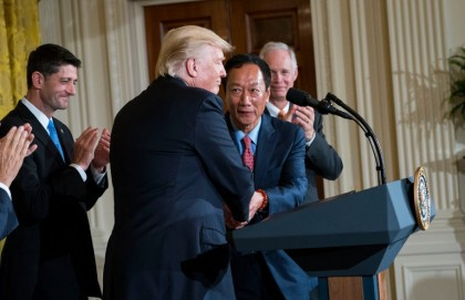 Donald Trump a accueilli avec joie hier à...