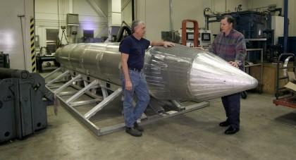 Une bombe GBU-43, pesant environ 10 000 kilos....