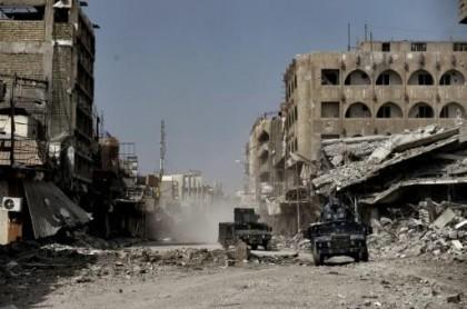 Les forces irakiennes patrouillent la partie ouest de...