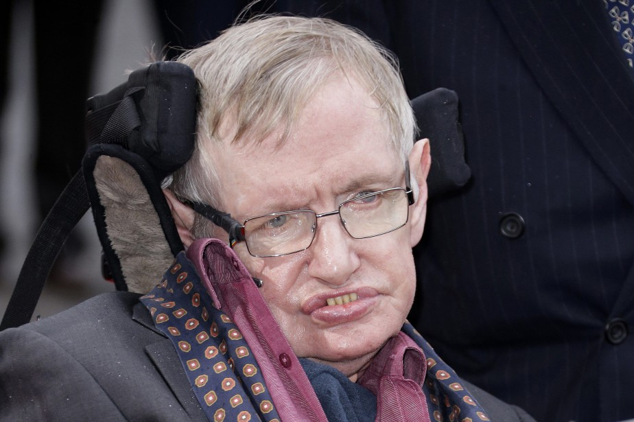 La recherche de Stephen Hawking suggère que le... (Photo Joel Ryan, archives Invision/AP)